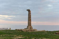 The Greek column of Capo Colonna, dating back to the 8th century BC, is part of the ancient temple dedicated to Hera Lacinia, Greek goddess. Now the whole area is an important archaeological site.